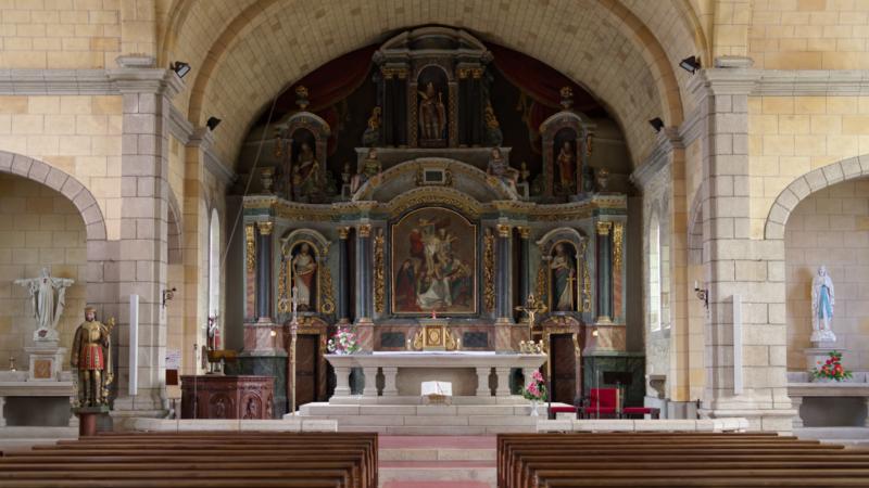 2019_07 intérieur de l'église de Pluméliau